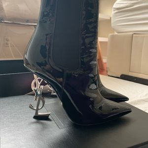 Saint Laurent Opyum ankle boot heels